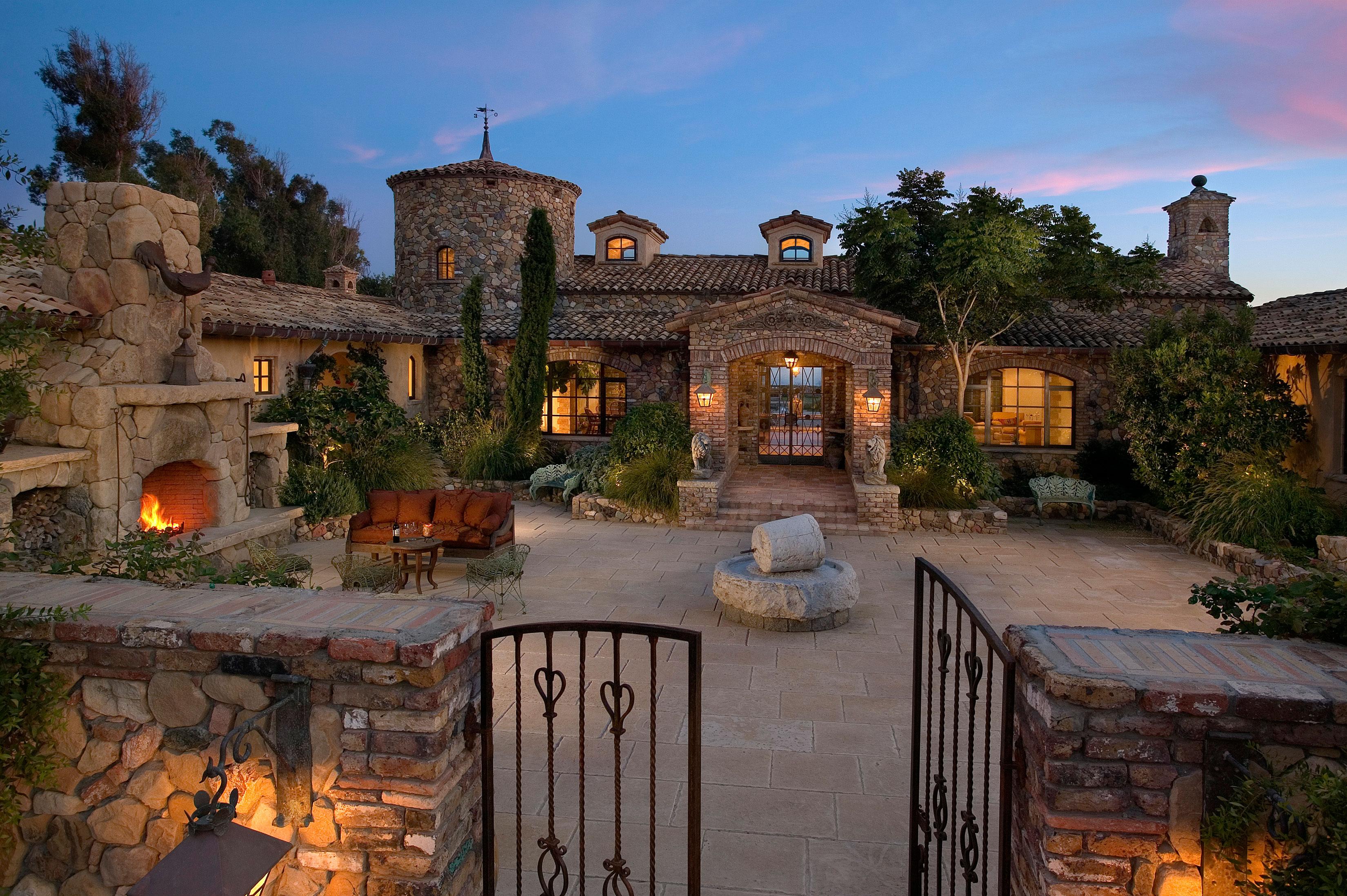 Tuscan Farmhouse On The Santa Barbara Coast Suzanne Perkins